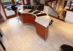 Kitchen (With Island)