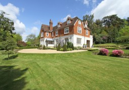 West Sussex: Film Friendly Old Rectory with Contemporary Interior