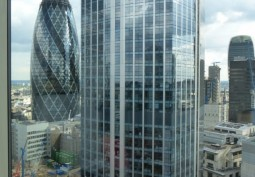 London: Film-Friendly Office With Iconic Views