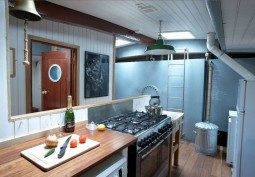 Kitchen (Galley)