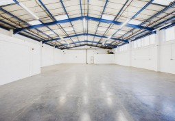 Spacious Clean Warehouse For Filming