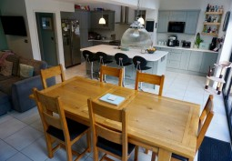 Kitchen, Diningroom, Kitchen (With Island),Kitchen (Coloured units),Kitchen With Table, Open-plan