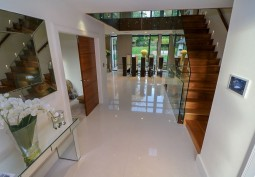 Stairway / Staircase, Hall, Staircase (Sweeping),Hallway, Stairway