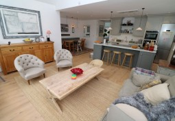 Modernised London Maisonette For Filming