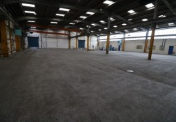 Large Warehouse & Office For Filming - Midlands
