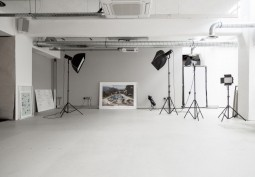 White Studio Space Available For Filming And Photo Shoots