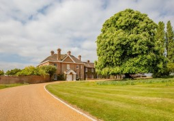 Herts: Period Home For Filming