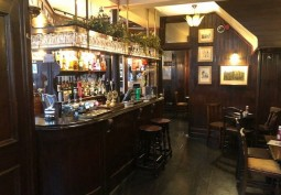 Historic London Pub For Filming