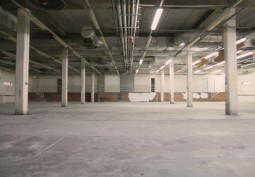 London: Dark Pillared Warehouse For Filming