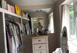 Dressing Room/Walk-in Wardrobe