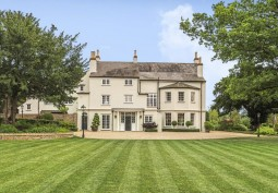 Stunning Country House For Filming