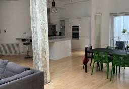 Minimialist Apartment In London For Filming
