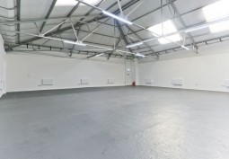 3,500 Sq Ft Warehouse And Office Space For Filming