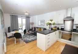 Stylish 2 Bed Apartment In Watford For Filming