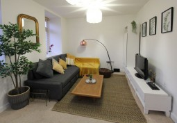 2 Bed Flat In Bristol For Filming