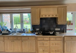 Kitchen (Wooden Units),Kitchen (Electric/Induction Hob)