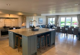 Kitchen (With Island),Kitchen With Table