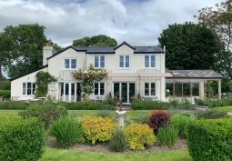 Large Detached Home For Filming
