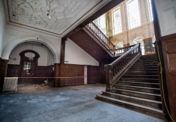 Stairway / Staircase, Staircase (Sweeping)